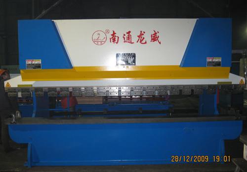 大型液压折弯机